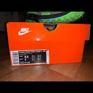 Nike off white zoom terra kiger